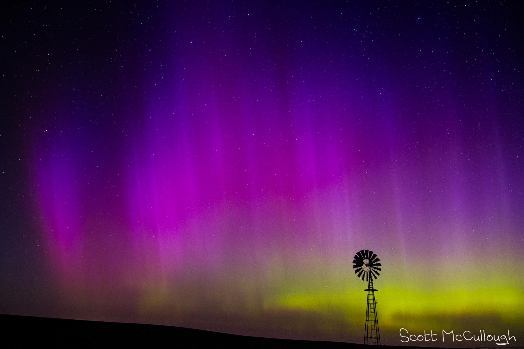 Aurora Borealis with a windmill in the foreground