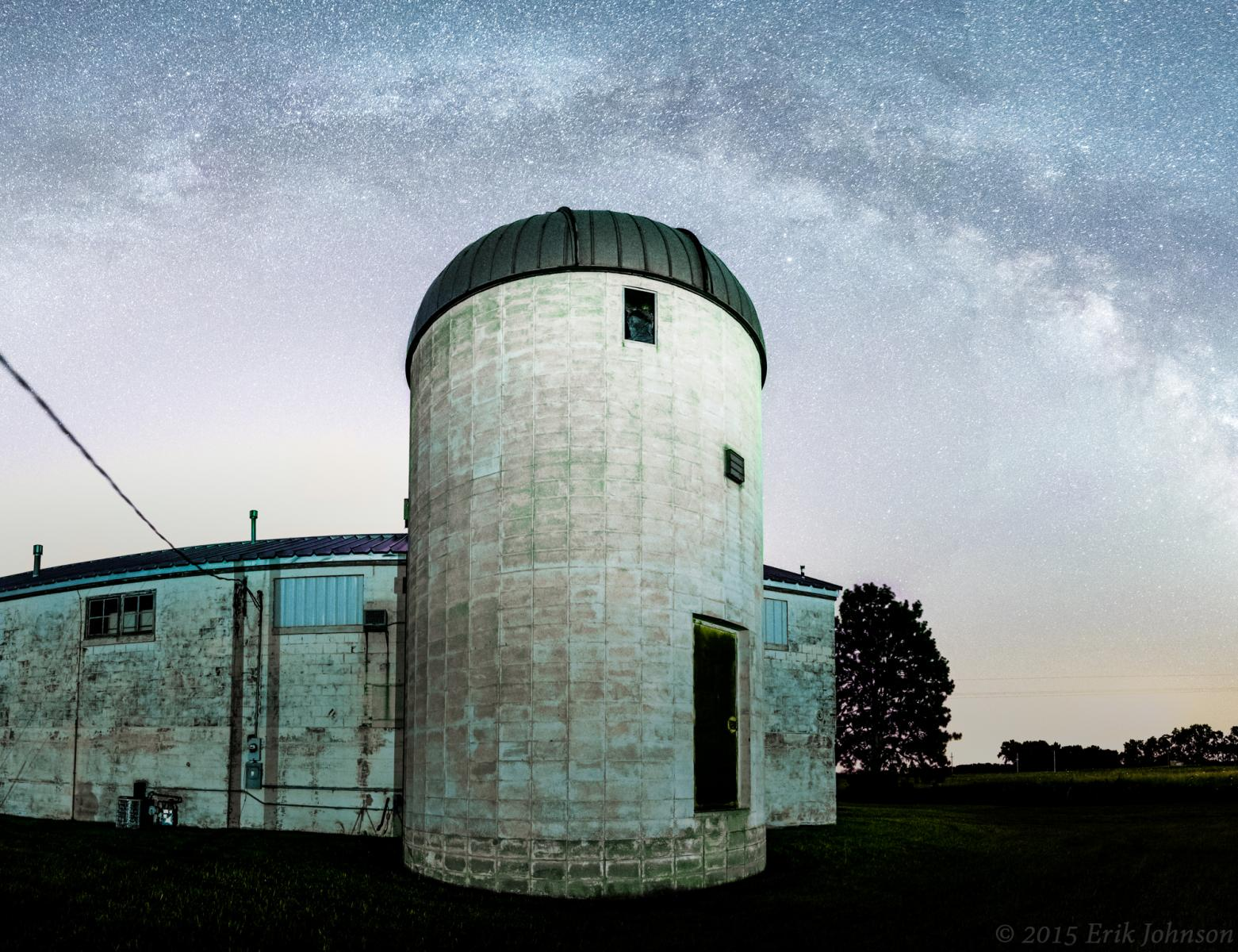 Milky Way in the sky above Behlen Observatory